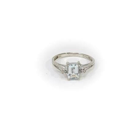 10K White Gold Aqua Marine Ring