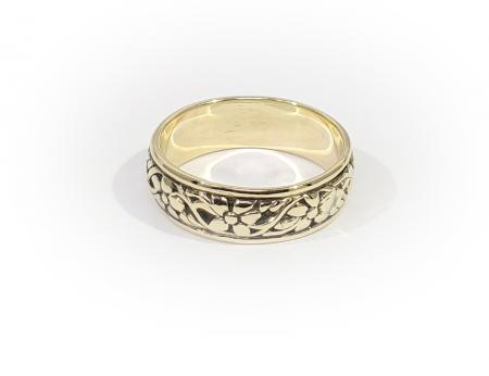 14k Yellow Gold Carved Band