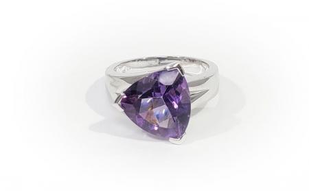 sterling trill amethyst ring