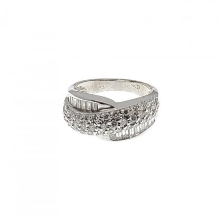 14K White Gold Round and Baguette Diamond Ring